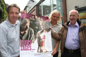 Stefan Rischer Schriftführer der Alzheimer-Gesellschaft im Kreis, Kinobetreiber Oliver Groteheide und Vereinsvorsitzender Dr. Gerhard Nübel